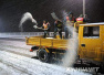 南京融雪盐告急 近百辆运输车前往淮安市运盐