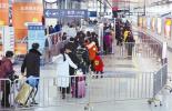 杭州东站晚上10点后打车有点难 运管部门已协调运力,旅客不妨试试网约车
