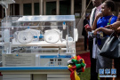 向肯尼亚捐赠医疗设备