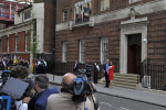 连生仨娃步步为营 外媒揭秘凯特是如何在英国王室站稳脚跟的