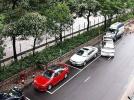 开车的司机要注意 停在停车位里可能也会被贴条
