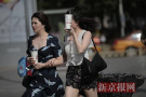 北京美女花式遮阳