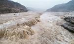 """黄河壶口瀑布水量大涨 形成""""水岸齐平""""景观"""