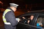 石家庄交警雨夜出动 半小时查获3名醉酒驾驶员
