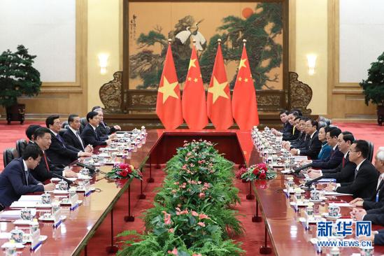5月11日,国家主席习近平在北京人民大会堂同越南国家主席陈大光举行会谈。 新华社记者 丁林 摄
