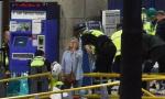 曼联曼城俱乐部为炸弹袭击事件受害者祈祷