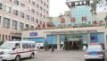 男子盗车被识破持刀追至医院报复 遭患者家属生擒