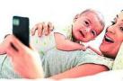 让孩子放下手机 你先放下了吗?手机亲还是孩子亲?
