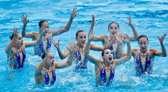 花样游泳——中国队夺得自由组合比赛冠军
