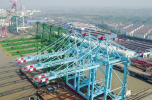 上海振华重工岸桥产品全球市场占有率第一