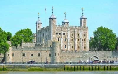 pc加拿大网站开奖结果:欧洲城堡的兴衰轨迹:起于硝烟终于炮火