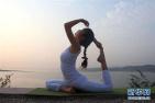 做起来!这四个动作能够防治腰酸背痛