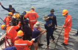 普吉沉船事故最后一名遇难者遗体被打捞出水