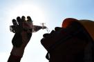 杭州一企业决定高温停产,给上千名员工放5天带薪假