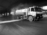郑州街道取消大面积高压洒水 市民遇违规洒水情况可举报
