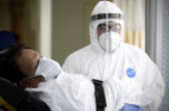 约翰斯·霍普金斯大学:全球新冠死亡病例超20万例